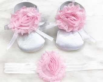 baby shoes and headband set with flowers!!! Sizes from newborn to 12 months!