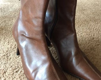 Retro heel boots