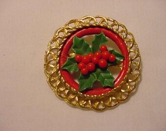Vintage Holly Berries Christmas Wreath Brooch   XMAS -  258