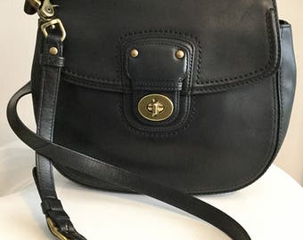 Rare Vintage COUCH Black leather Cashin Hobo Flap Front Purse By Cashin Carry
