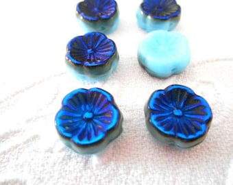 x 6 beads 12 mm flower Czech glass turquoise and Blue Pearl.
