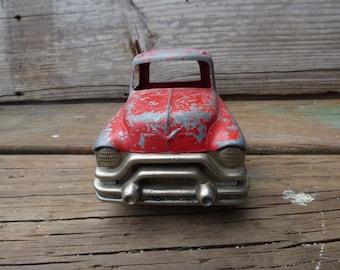Vintage Hubley Kiddie Toy Truck 494 flatbed log hauler weathered Red trailer