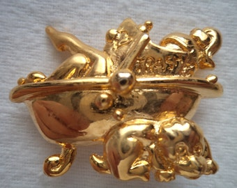 Fabulous Unsigned Vintage Goldtone Lady in Bath Brooch/Pin