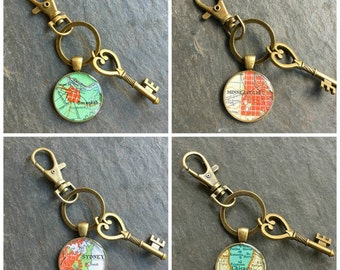 Groomsmen Keychain Bronze  Vintage Maps Your City Choice Set of 4 Wedding Gift