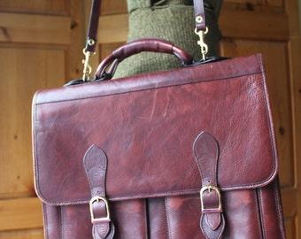 Vintage Galleria burgundy/brown leather messenger bag briefcase