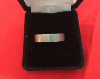 Ring - Band Houtungsten Silver Flat Finish Mens Wedding Silver Ring - Size 9 - New