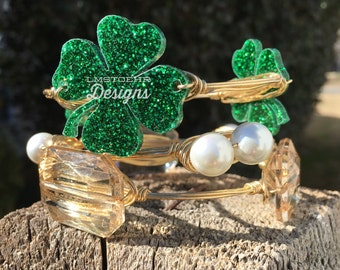 LUCKY CHARMS Bangle Stack || Shamrock Bangle || St. Patrick's Day || Don't Get Pinched || Wire-wrapped Bangles || Glitter Shamrock Bangles