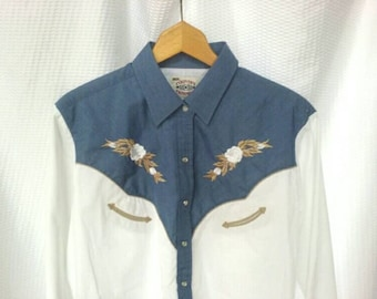Vintage Womens XXL Pearl Snap Western Shirt by Ely Country Charmers - White Blue Roses/Floral Embroidery - Plus Size, 2X Cowgirl/Cowboy