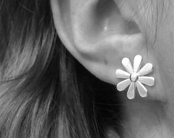 Daisy Earrings Daisy Studs Flat Flower Studs Daisy Flower Earrings Small Flower Post Earrings Sterling Silver Stud Earrings