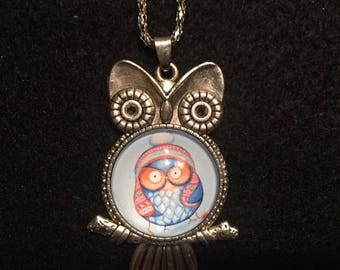 Owl Pendent Necklace, Silvertone Cabochon