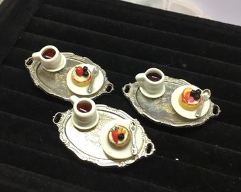 Mini Fruit-Topped Cake Ring