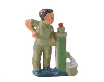 Vintage c.1930's Manoil Happy Farm Series Man at Water Pump Lead Figure - Made in USA - Farmer at Pump 41/39