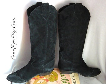 Vintage BANDOLINO Western Boots /  size 5 .5 Eu 35 .5 UK 3  /Black Suede  n Leather Flat Heel / Flame Stitched Cowboy Boot Italy