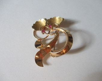 Gold brooch Old fashion style handmade