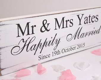 Personalised Happily Married - Custom Free Standing White Wedding Table Sign / Plaque - Shabby but Chic -Aged - Handmade