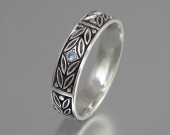 EVERGREEN LAUREL silver band with moonstone