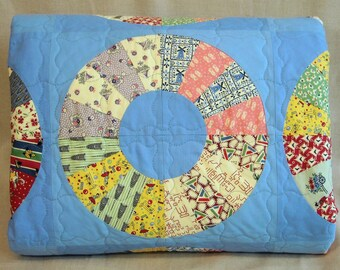 Twin Size Quilt - 71.5 x 95 - Vintage Look 1930s Lifesavers Quilt - Reproduction Feedsack Fabric