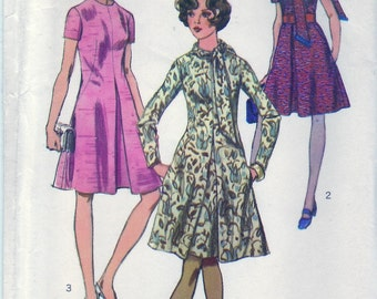 Vintage 1970 Simplicity 9009 UNCUT Sewing Pattern Misses' Dress With Scarf Size 14 Bust 36