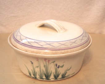 Vintage Hand Painted 2.5 qt Stoneware covered casserole
