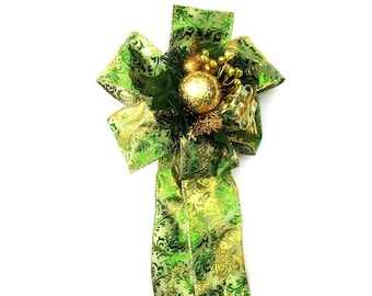 Large green and gold gift bow, Christmas decoration, Holiday tree bow, Gift embellishment, Bow for wreaths, Gift wrap bow, Gift accessory