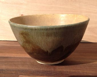 Medium ceramic bowl