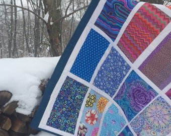 Hot & Cold Valentine quilt, Kaffe Fassett blocks