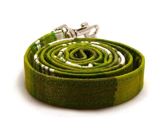 Moss green and white striped dog leash - Green dog lead - Green striped dog leash - Moss green pet lead - 3/4 wide x 3.8 foot long