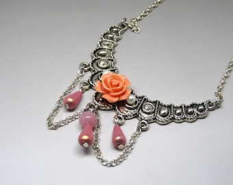 Victorian necklace bronze and white