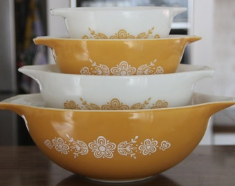 Vintage PYREX Nesting Bowls, Butterfly Gold Pyrex Cinderella  Set Of 4 Mixing Bowls