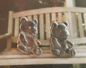 Vintage Buttons, 2 cute pewter color metal teddy bear design 7/8 inch high (may 112 18)