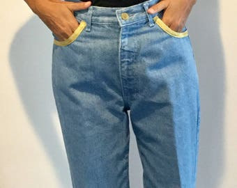 Cool Vintage 80s DAVID DAVID High Waisted Light Blue Denim Jeans