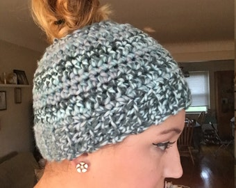 Messy Bun Hat // Crochet Hat Beanie Ponytail Hat