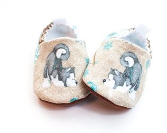 Baby Shoes Boy, Baby Shoes Girl, Baby Birthday Shoes, Husky Puppies, Baby Shower Gift Puppies, Grey Baby Shoes, Toddler Slippers, Baby Mocs