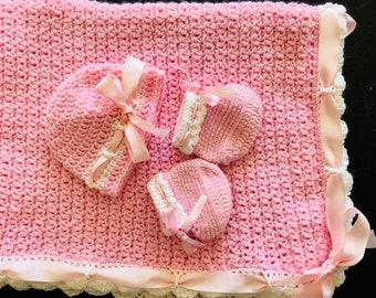 Newborn baby girl welcome set: welcome blanket, hat, booties