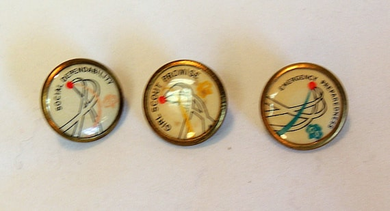 3 1960's-70's Girl Scouts Pins.. Promise, Emergency Preparedness & Social Dependability (Lot #8)