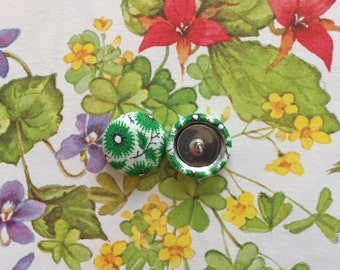 Fabric Covered Button Earrings / Green / Wholesale Jewelry / Small Stud Earrings / Gifts for Her / Party Favors / Made in NYC
