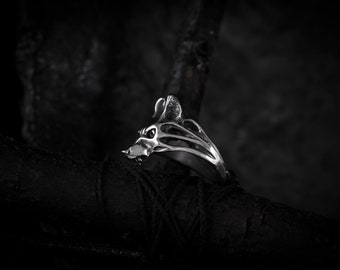She-wolf ring