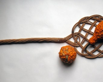 French Rattan Carpet Beater  Wicker Primitive Woven Rug Beater Carpet Whip Cane Wicker Carpet Original Plaiting French Farmhouse