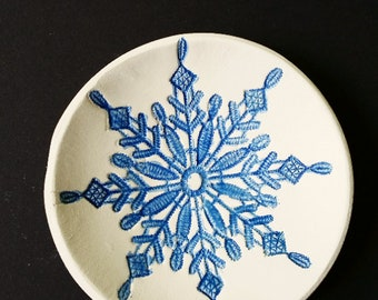 clay bowl jewelry bowl snow flake lace blue stencil ring dish