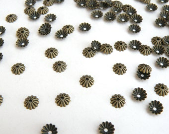 100 Scalloped ribbed bead caps antique bronze plated brass 6mm A5604FN