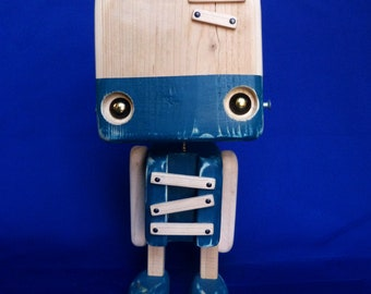 Reclaimed wood - the blue robot