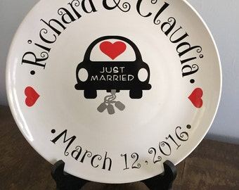 Personalized wedding gift|Personalized wedding date decorative plate|Wedding shower gift|Wedding gift for couple| Gift for her & Engagement plate | Etsy