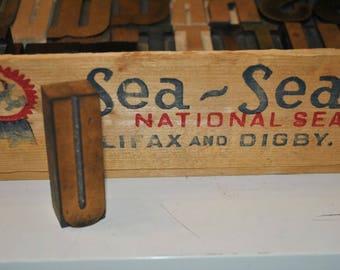 Letter U Vintage Wood Letterpress   Capital Letter U  Antique Letterpress Block 2.5 Inches Tall