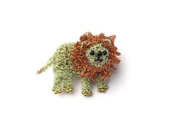 Lion brooch - cute little lion, crochet animal brooch, lion jewelry