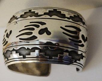 Vintage Navajo Sterling Silver Signed Hard To Find Bear Paw Cuff Bracelet