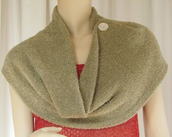 The Dream Collar/Cape. A hand-loomed circular Infinity Scarf in teddy-bear soft yarn with lurex.