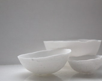 Set of 3 English fine bone china nesting stoneware bowls