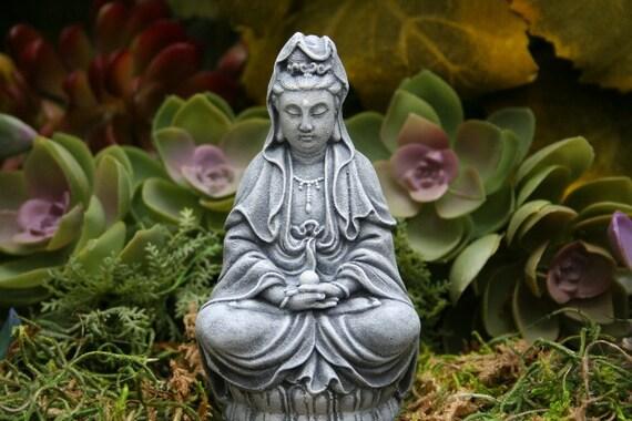 High Quality Kwan Yin Miniature Concrete Garden Statue Kuan Yin Holding