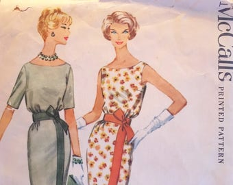 1950s McCall's Dress Pattern 5275 - Vintage 1950s McCall's Pre-Cut Pattern No. 5275 - Scoop Neck Sheath - Size 14 Bust 34 - Vintage McCall's