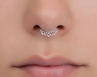 Fake silver septum ring. Tiny fake septum jewelry. septum clip.  Material:  Sterling silver, Gold plated or Brass.